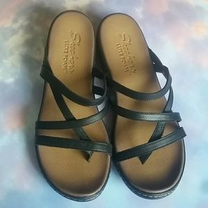 *NEW* Skechers Leather Luxe Foam Sandals 10